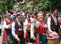 Image%20detail%20for%20-Photos%20of%20the%20Feast%20of%20the%20Rose%202008%20-%20Karlovo%20and%20Kazanlak